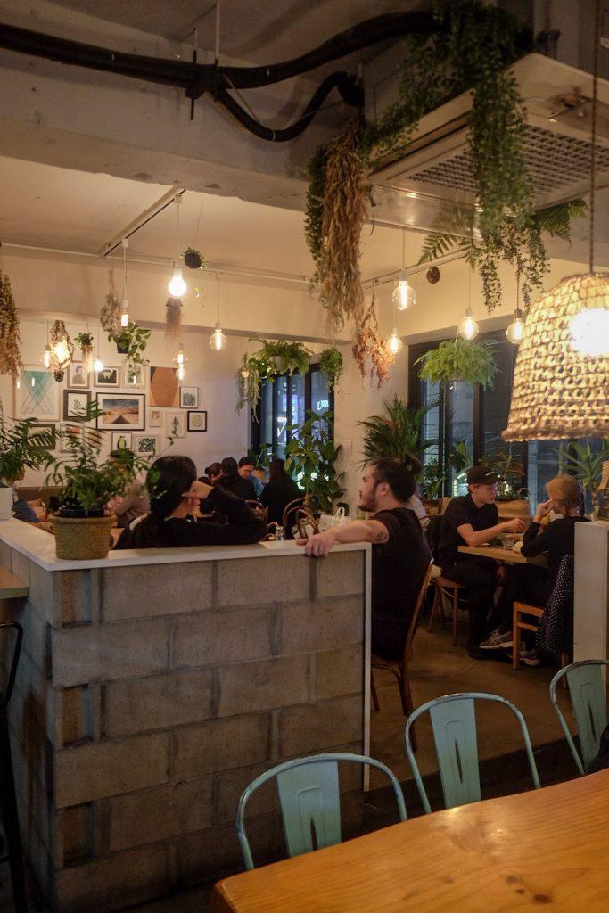 vegan-seoul-guide-plant-decor-1