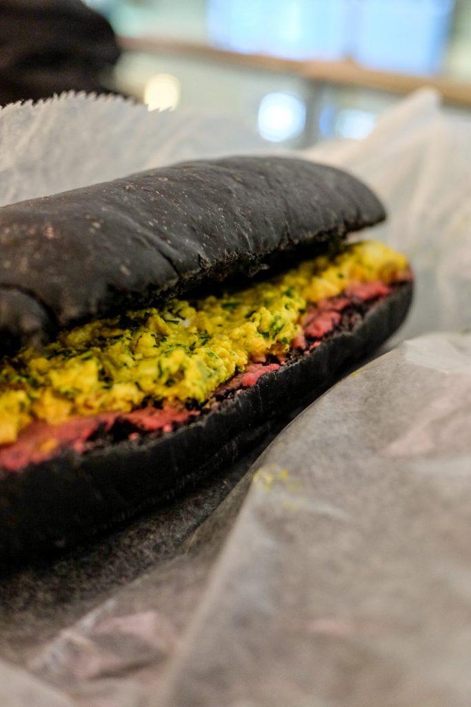 vegan-tokyo-guide-haneda-airport-healthy-tokyo-scrambled-tofu-sandwich
