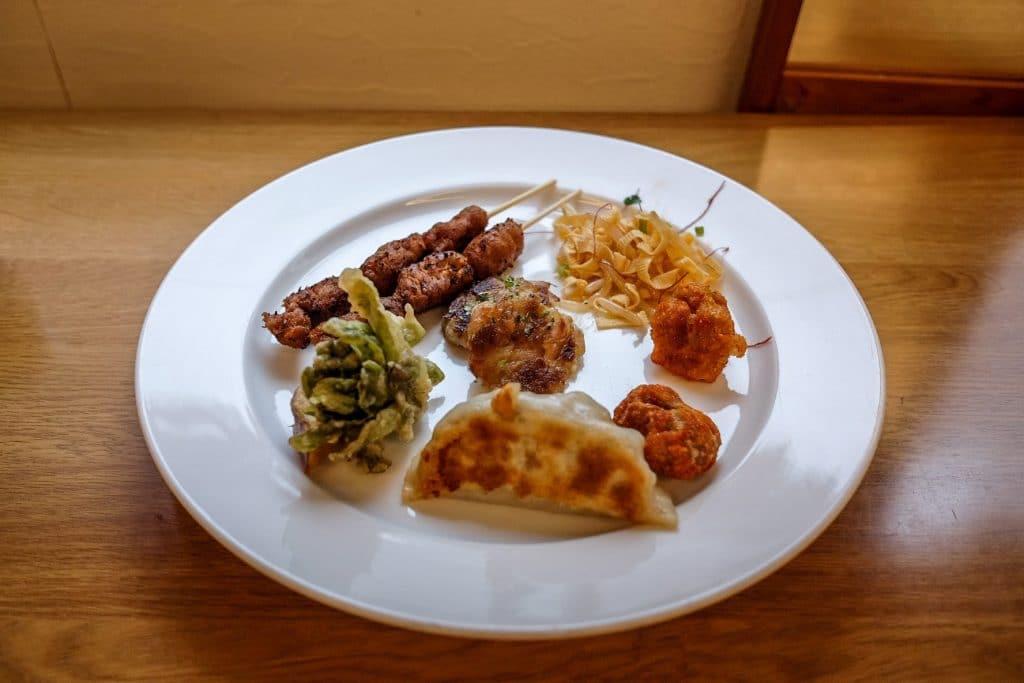 tokyo-vegan-guide-loving-hut-buffet-1