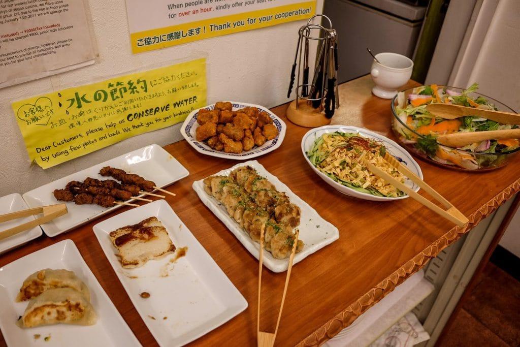 tokyo-vegan-guide-loving-hut-buffet-food-1