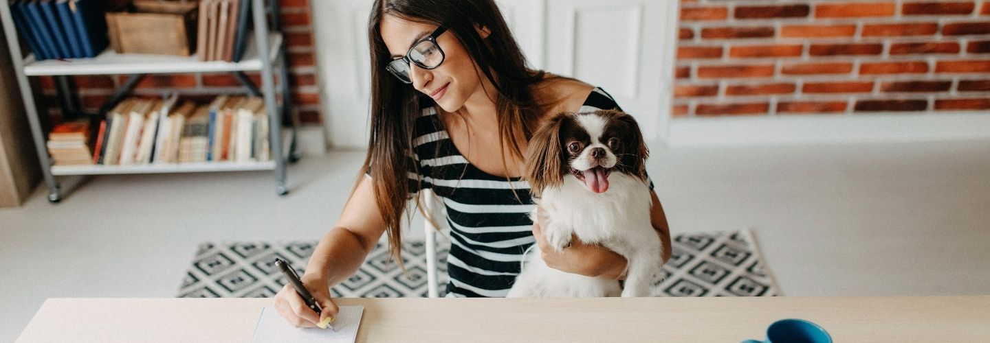 An in-depth guide that walks through everything you need to know about having emotional support animals in the workplace. Hint: HR policies for the win.