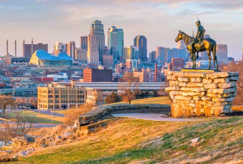 Kansas City skyline with statue
