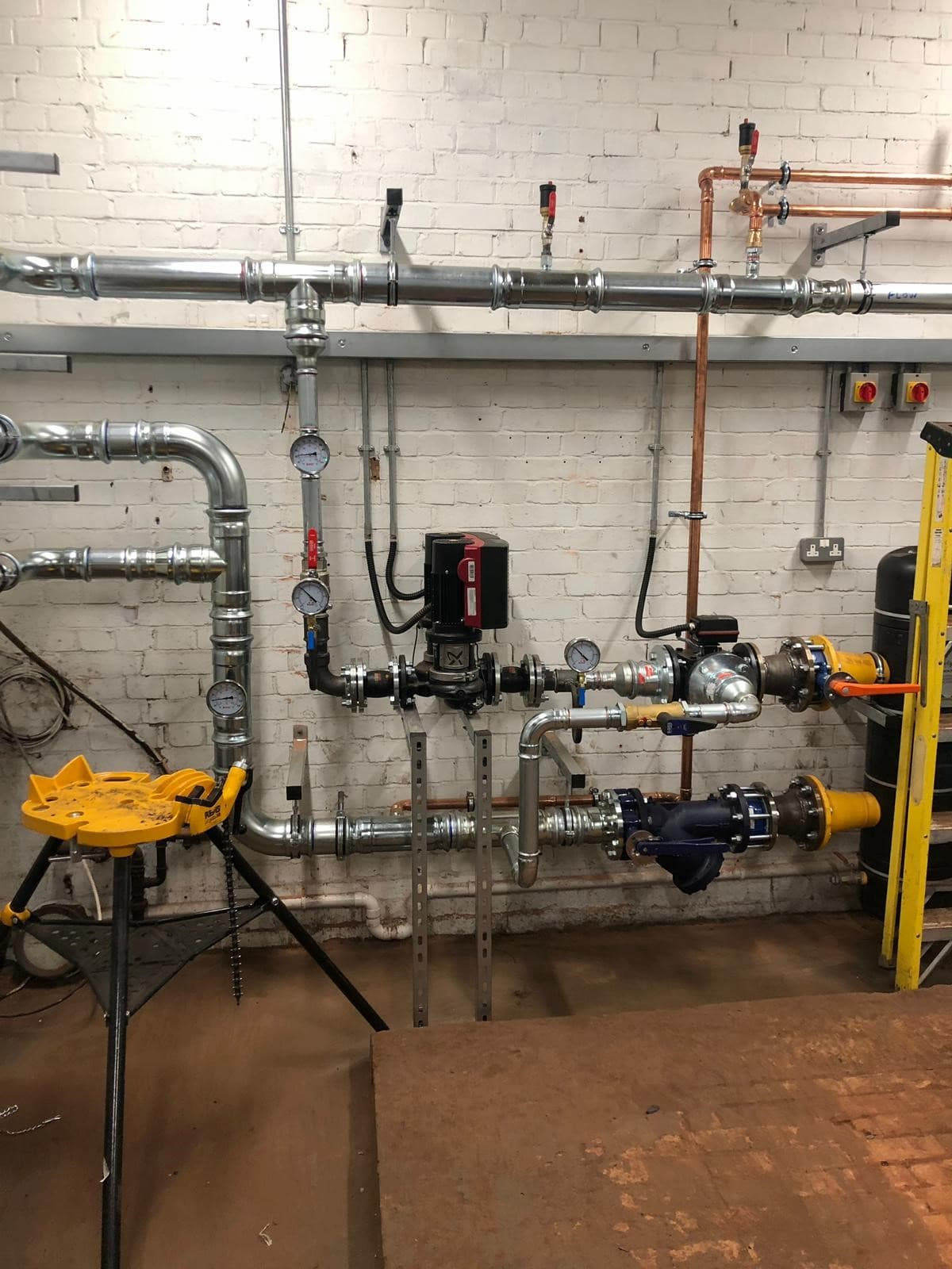 Commercial hydraulic machine