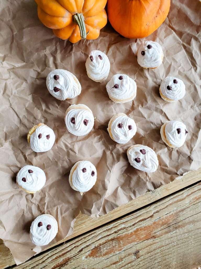 Simple Spooky Macarons