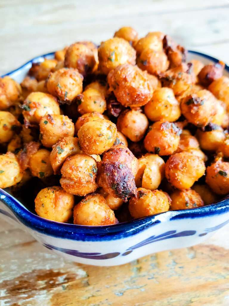 Simple Crispy Roasted Chickpeas