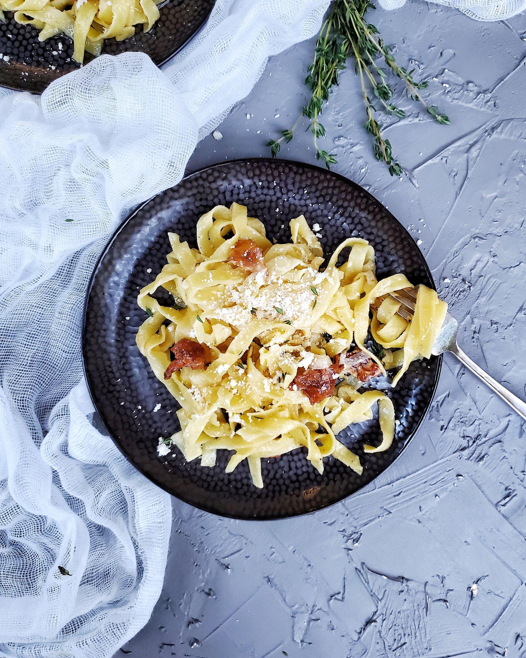 chanterelle mushroom pasta on plate