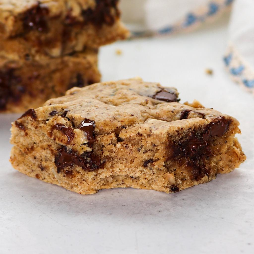 Healthy Chocolate Chip Blondies (Vegan)