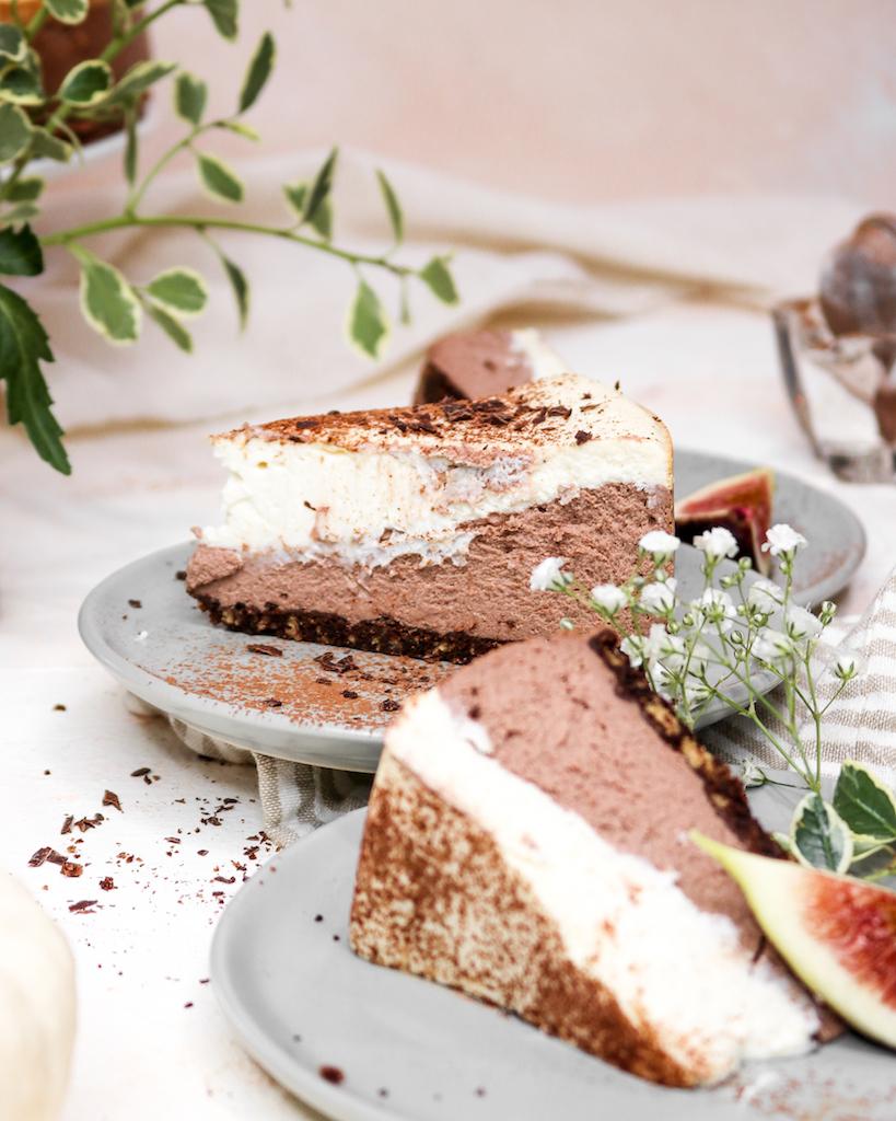 Double Layered Chocolate & Vanilla Cheesecake