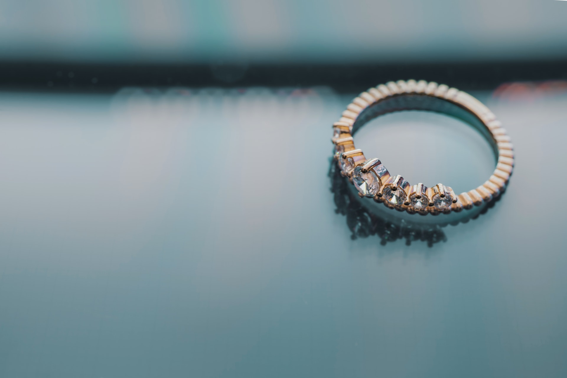 Jewellery Made From Air Pollution