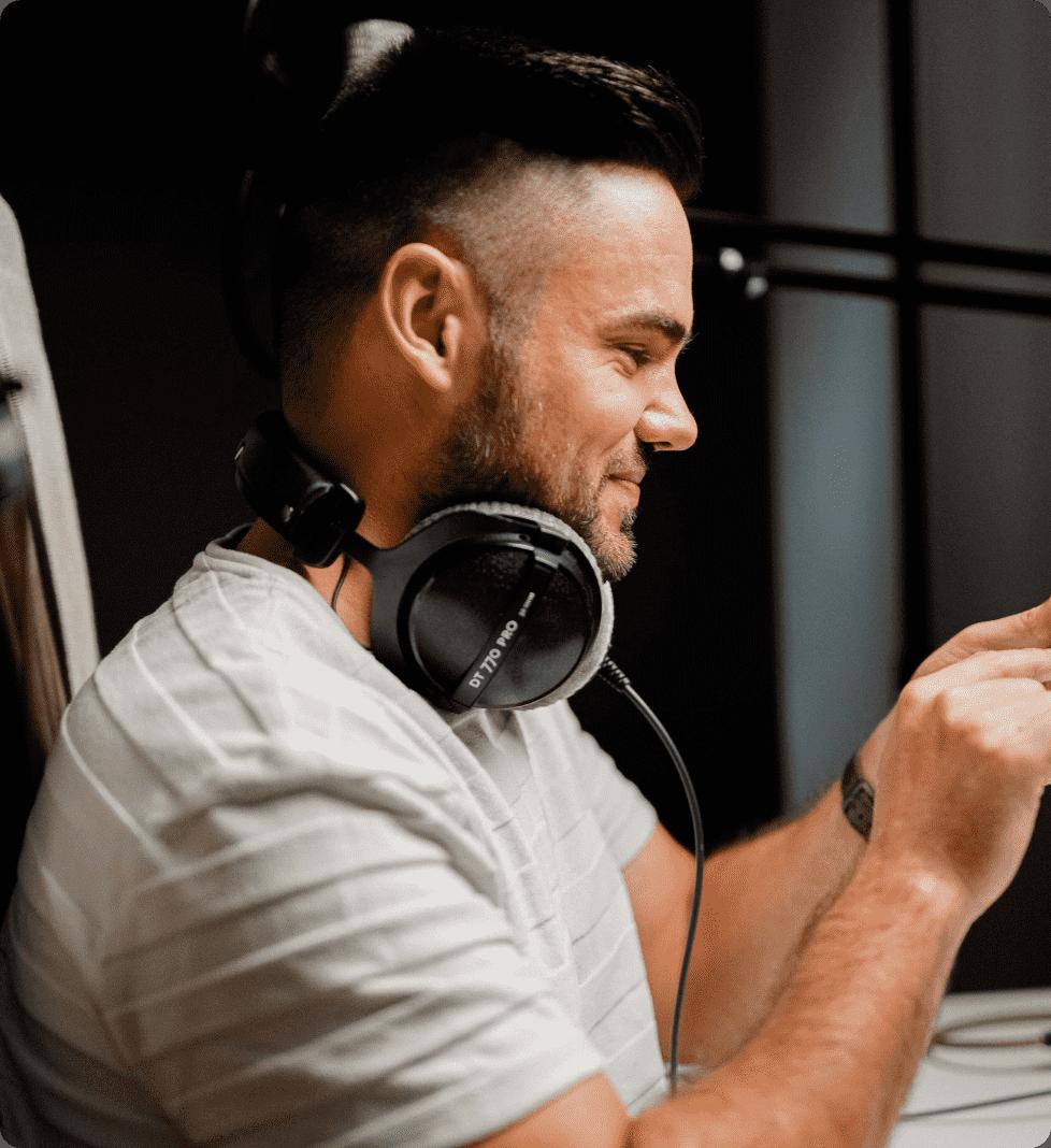 Podcaster | TrueFanz - influencer marketing platform for creators