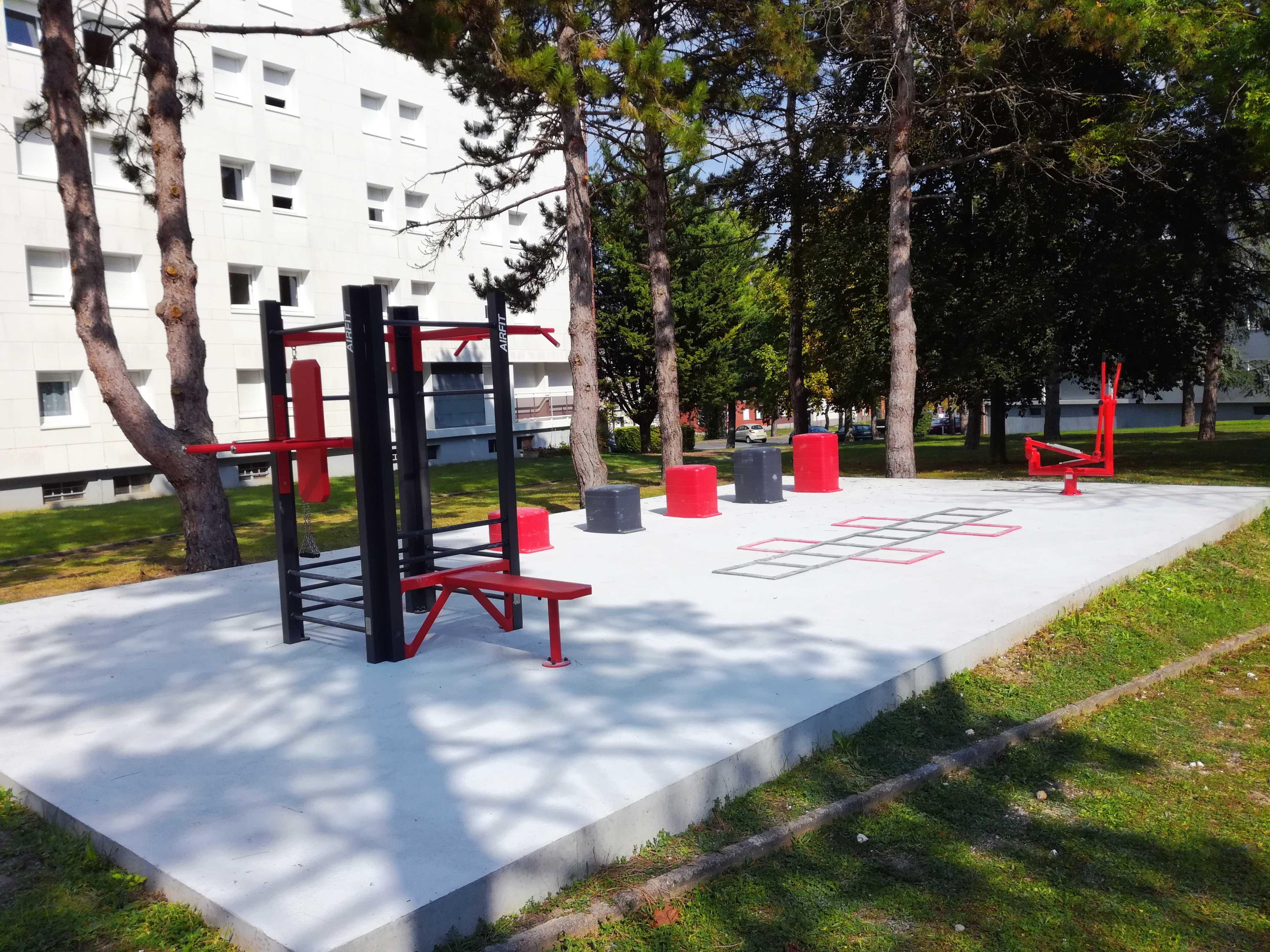 Photo du nouveau plateau sportif de la résidence du Bailly - CROUS Amiens
