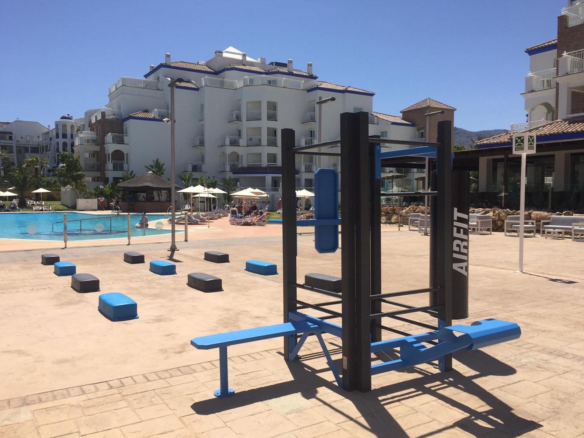 Photo de l'espace sportif à côté de la piscine de l'Hôtel SMY Malaga