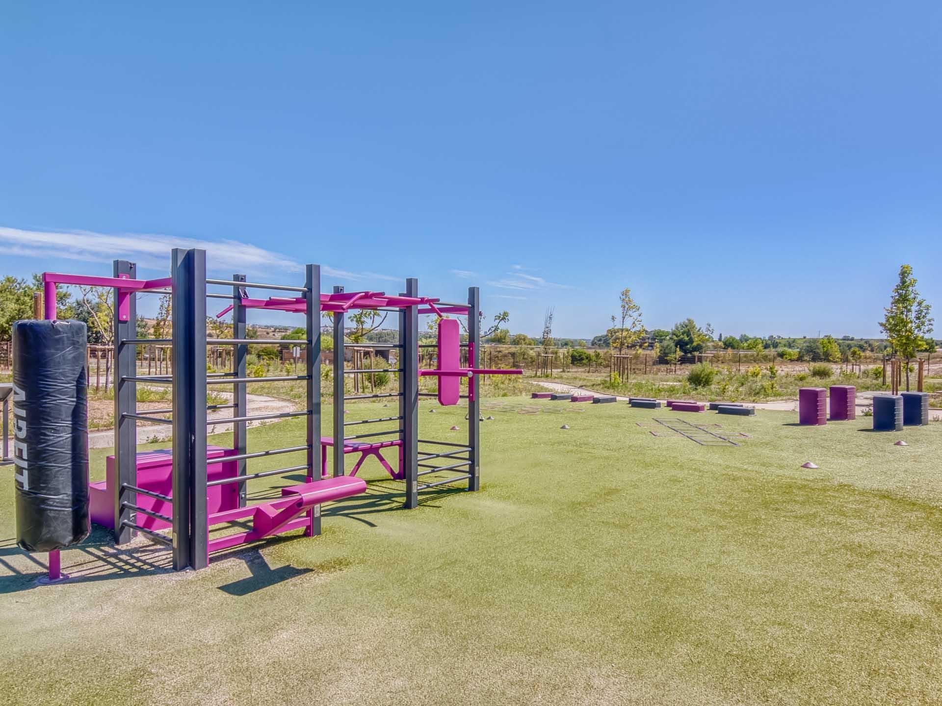 Photo de l'aire de fitness en accès libre du Domaine Bayssan à Béziers