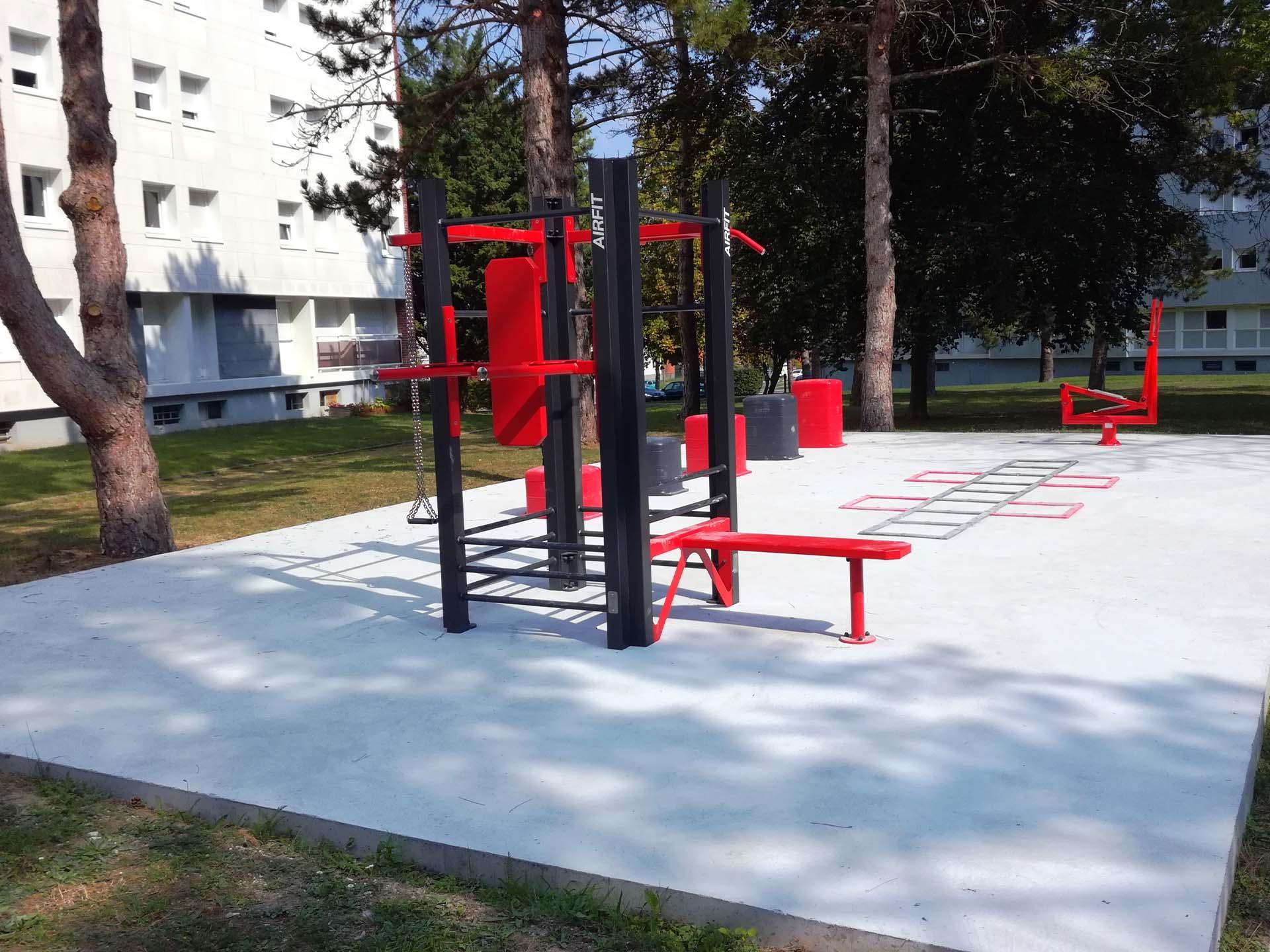 Photo de l'aire de Cross-Training pour les résidents du CROUS Amiens