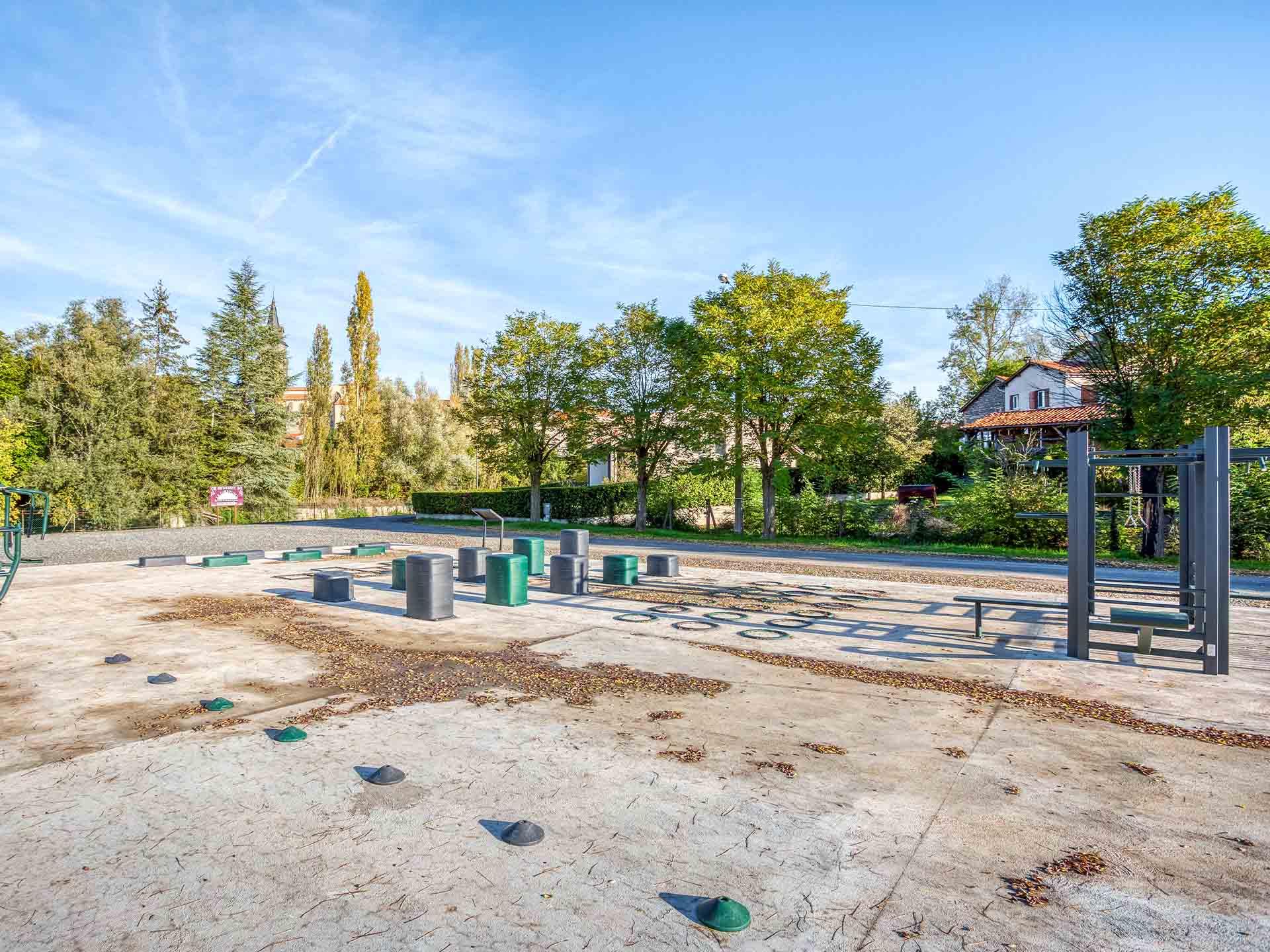 Photo des équipements sportifs de la ville de Maringues
