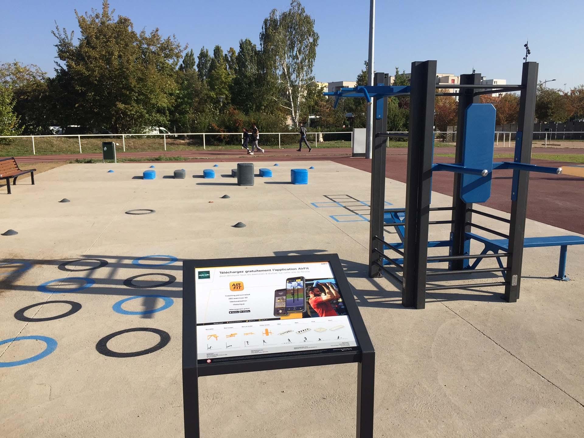 Photo des équipements sportifs en extérieur du Plateau Rousseau de Vaulx en Velin