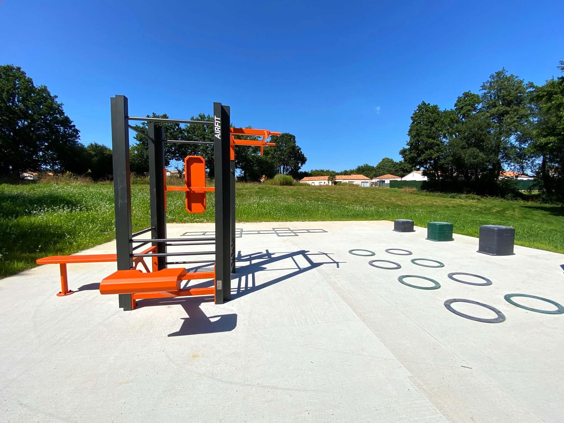 Photo de l'aire de fitness plein air de Mouilleron le Captif