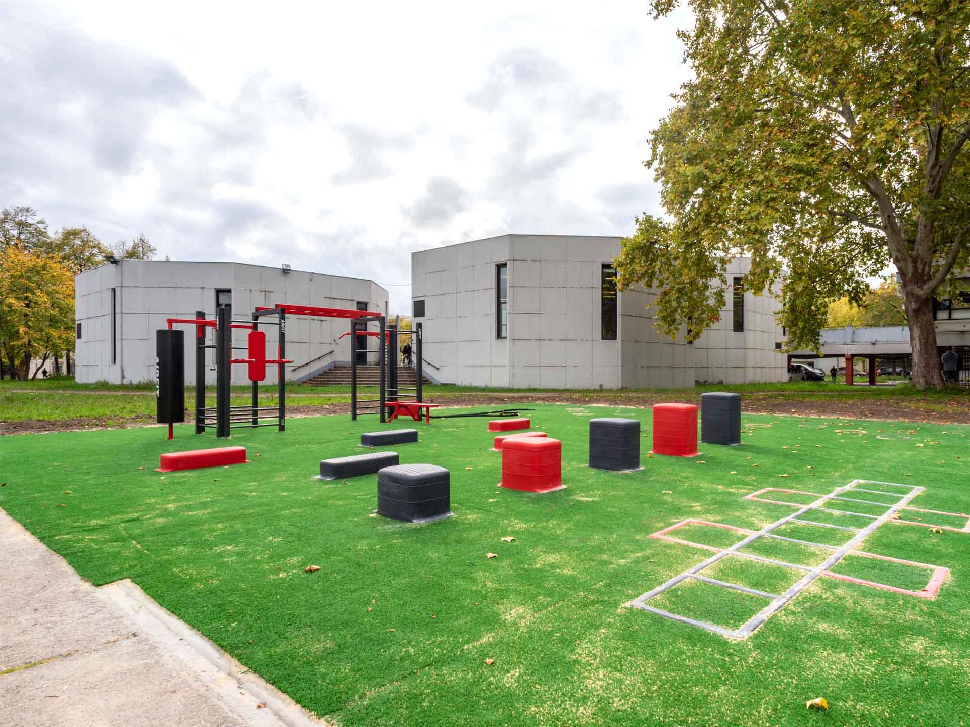 Photos de l'aire de fitness en extérieur du Campus Villetaneuse