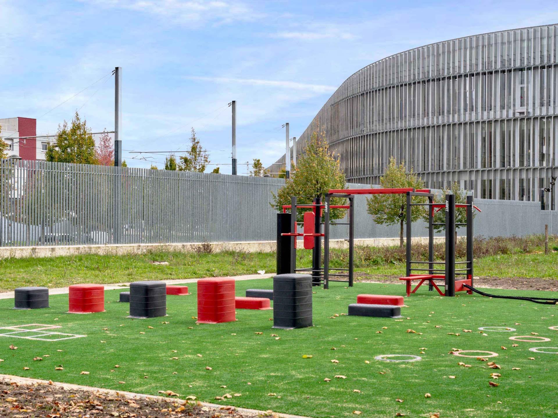 Photo du Plateau Sportif pour les étudiants du campus de Villetaneuse