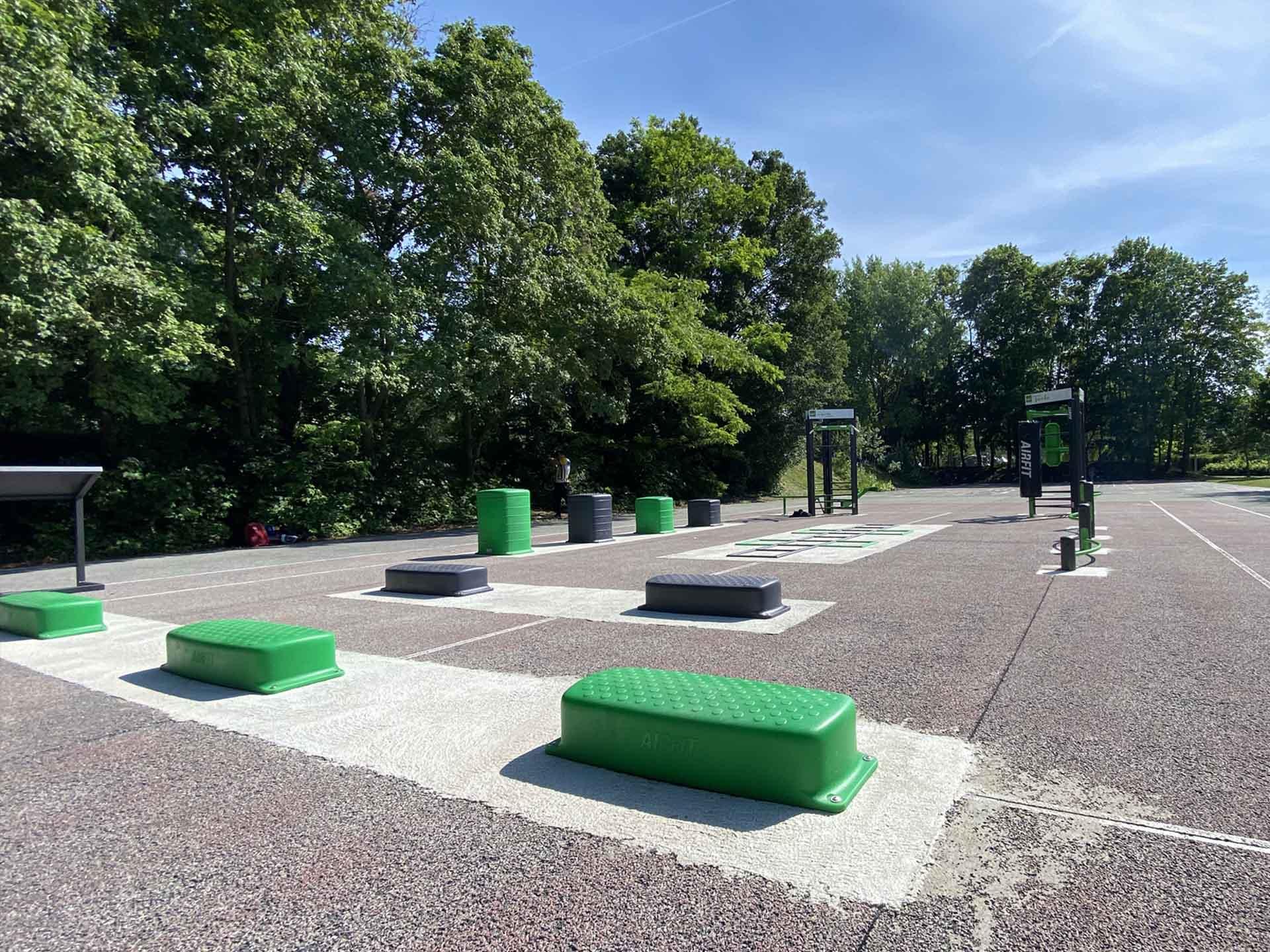 Photo des équipements sportifs extérieurs du Parc Saint John Perse de Reims