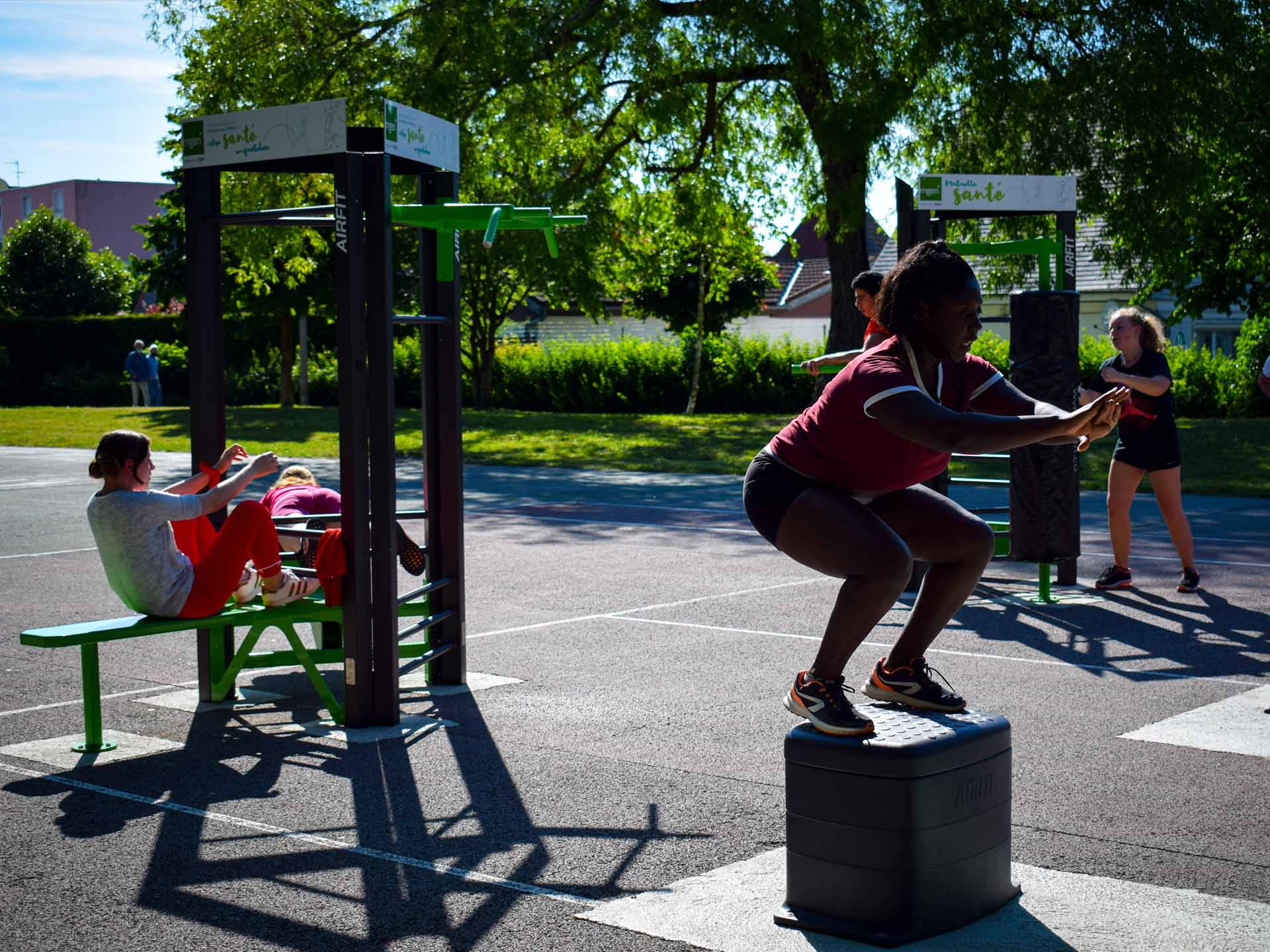 Photo de sportives en train de faire du fitness à Reims