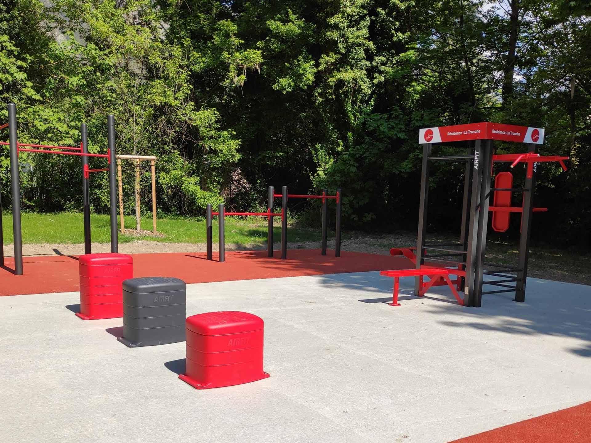 Photo des équipements sportifs extérieurs AirFit de La Tronche (résidence CROUS)