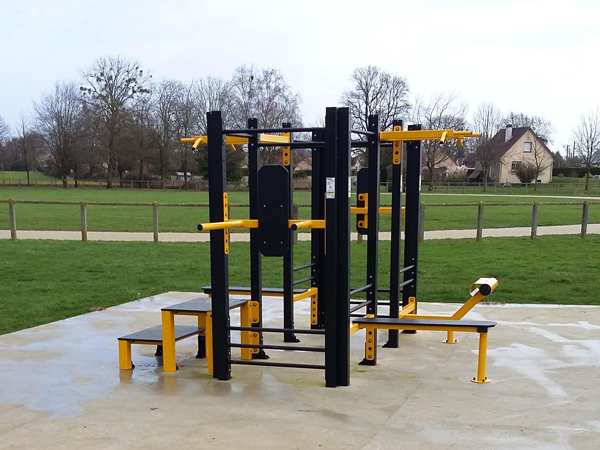 Photo de l'aire de fitness en accès libre au Bosc Roger en Roumois