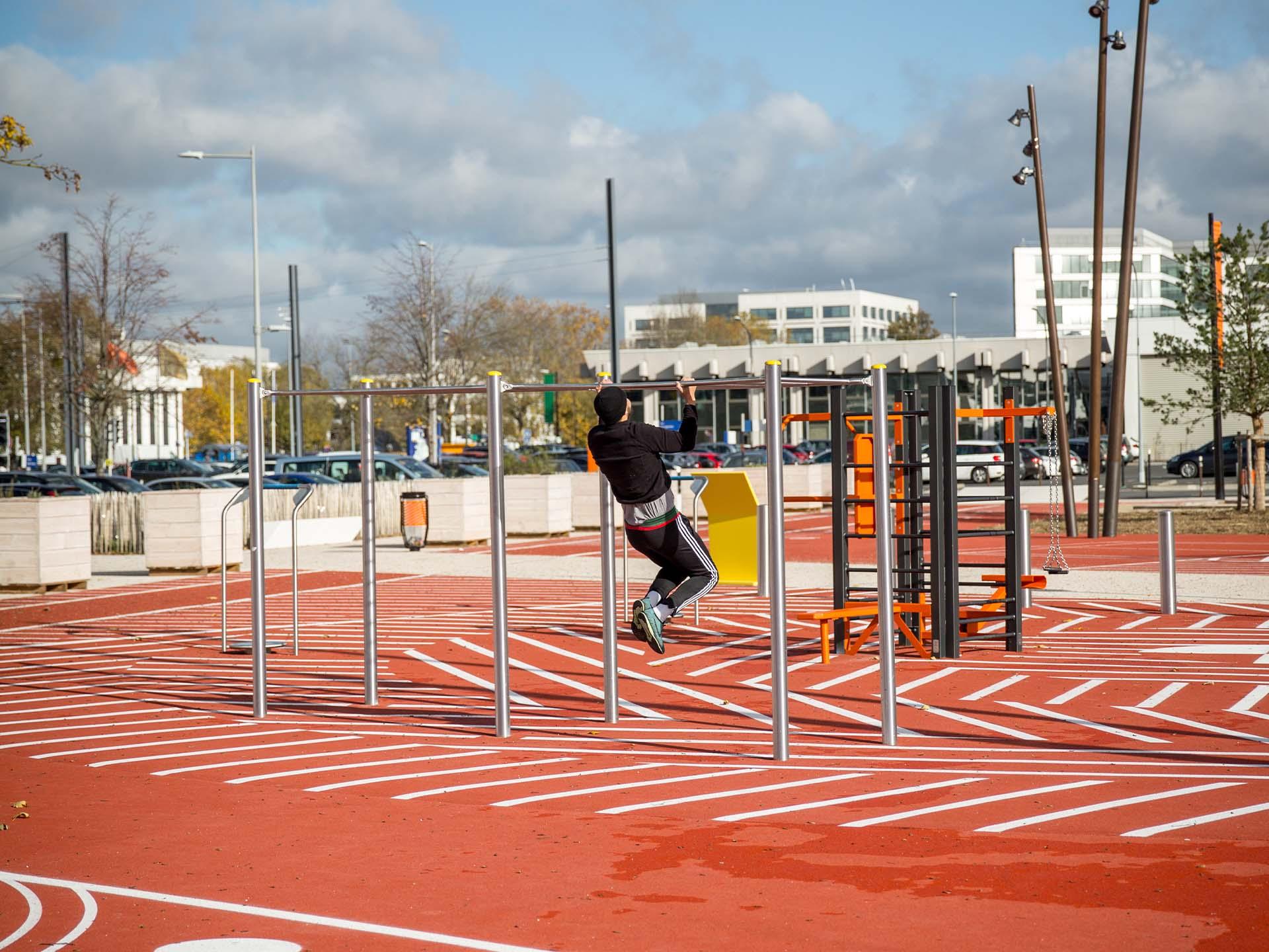 Photo de l'aire de Fitness en extérieur pour la société ICADE à Rungis