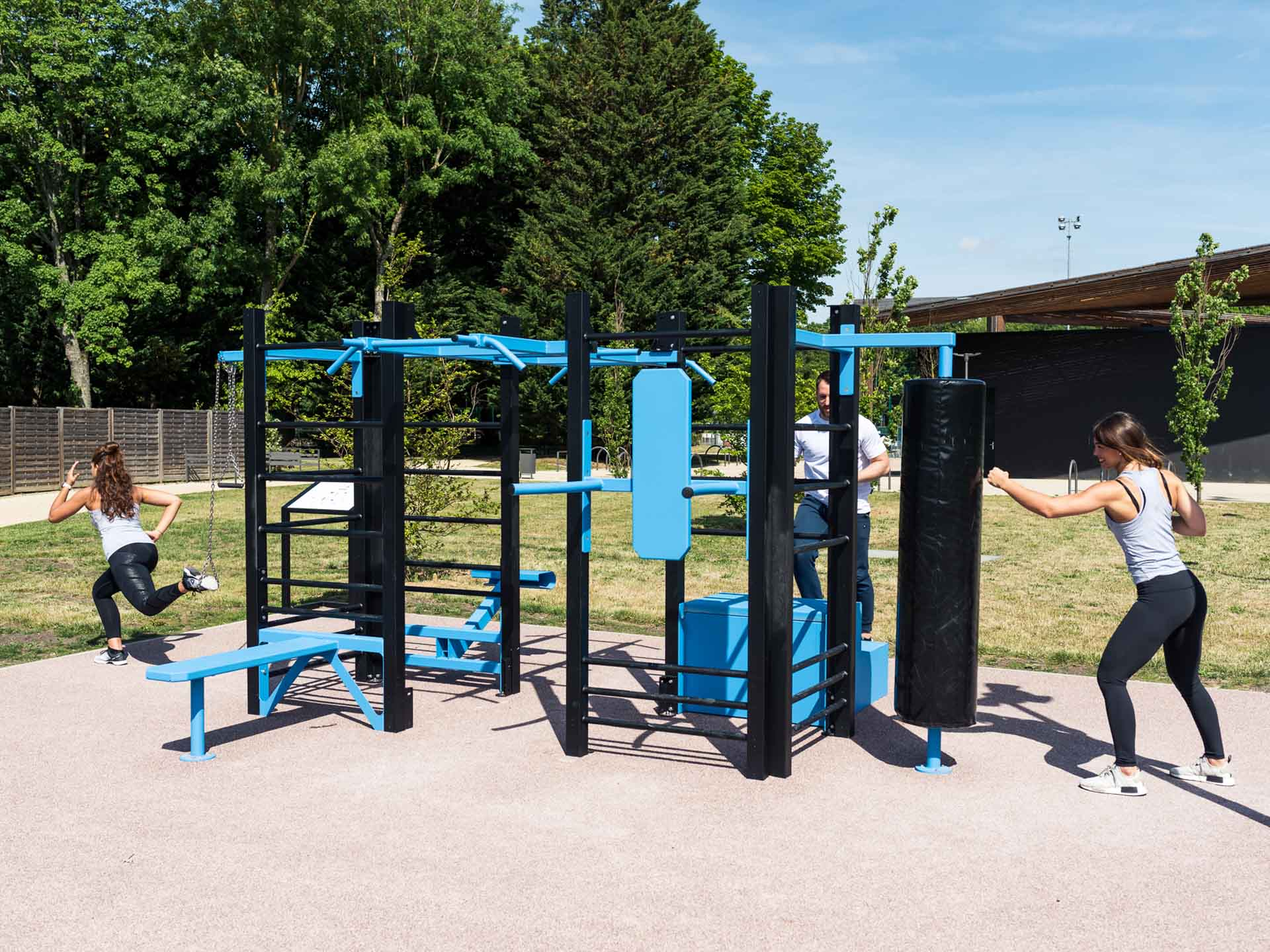 Photo de l'équipement sportif du complexe Marcel Bec de Meudon utilisée par des sporives