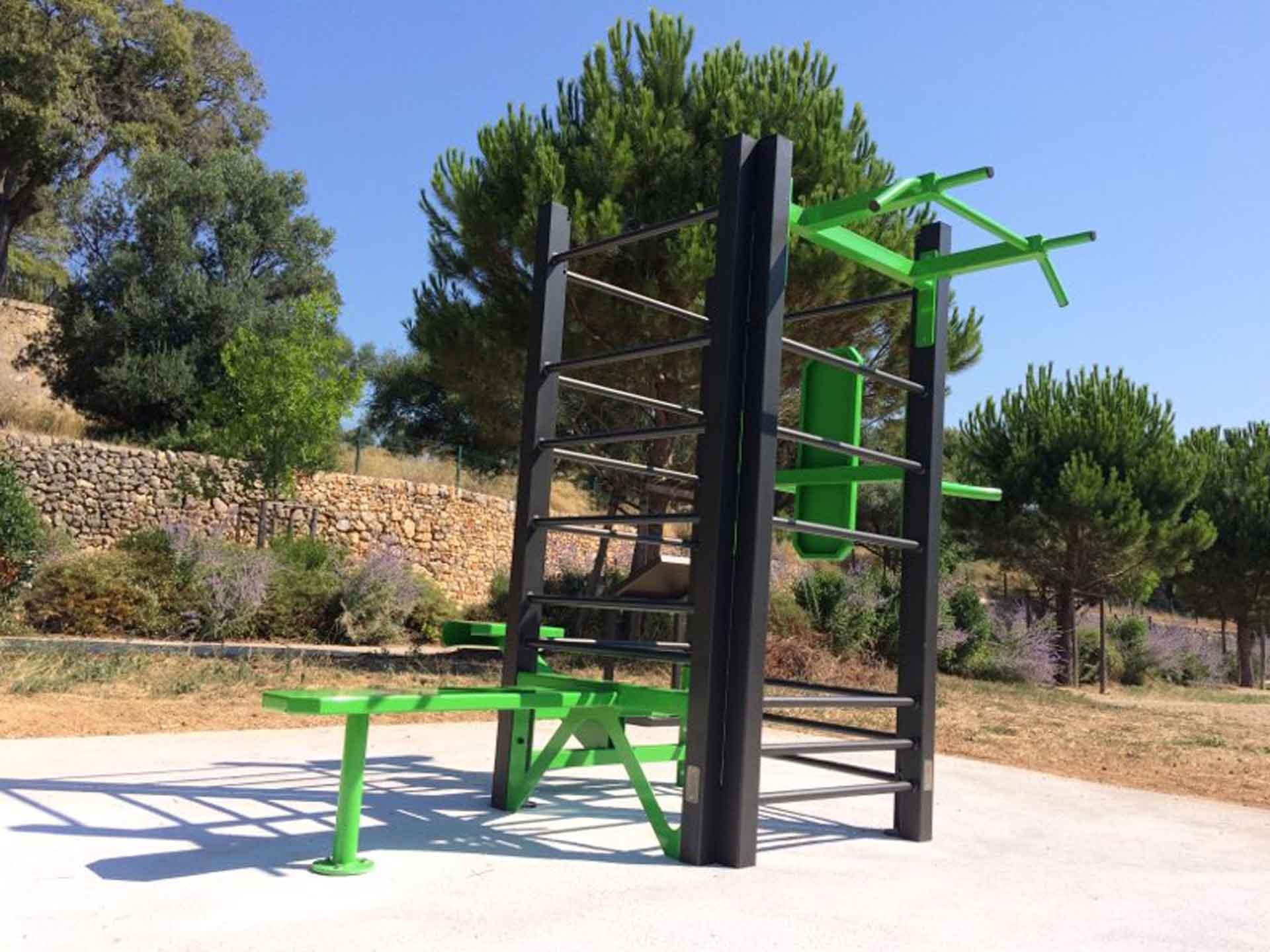 Photo de l'aire de fitness extérieur AirFit du Parc de la Castellane - Ollioules