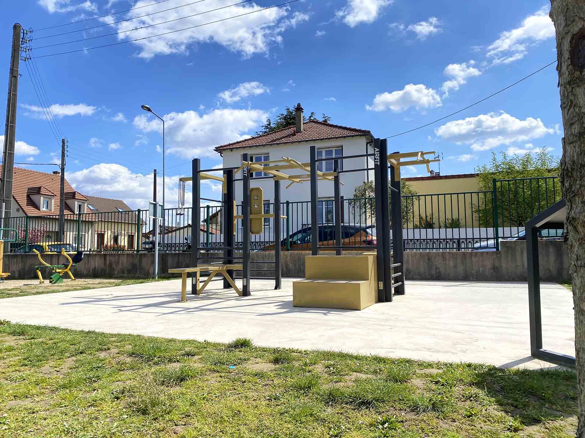 Photo de la Station de Cross-Training 8 Faces AirFit de l'espace Jemmapes à Houilles