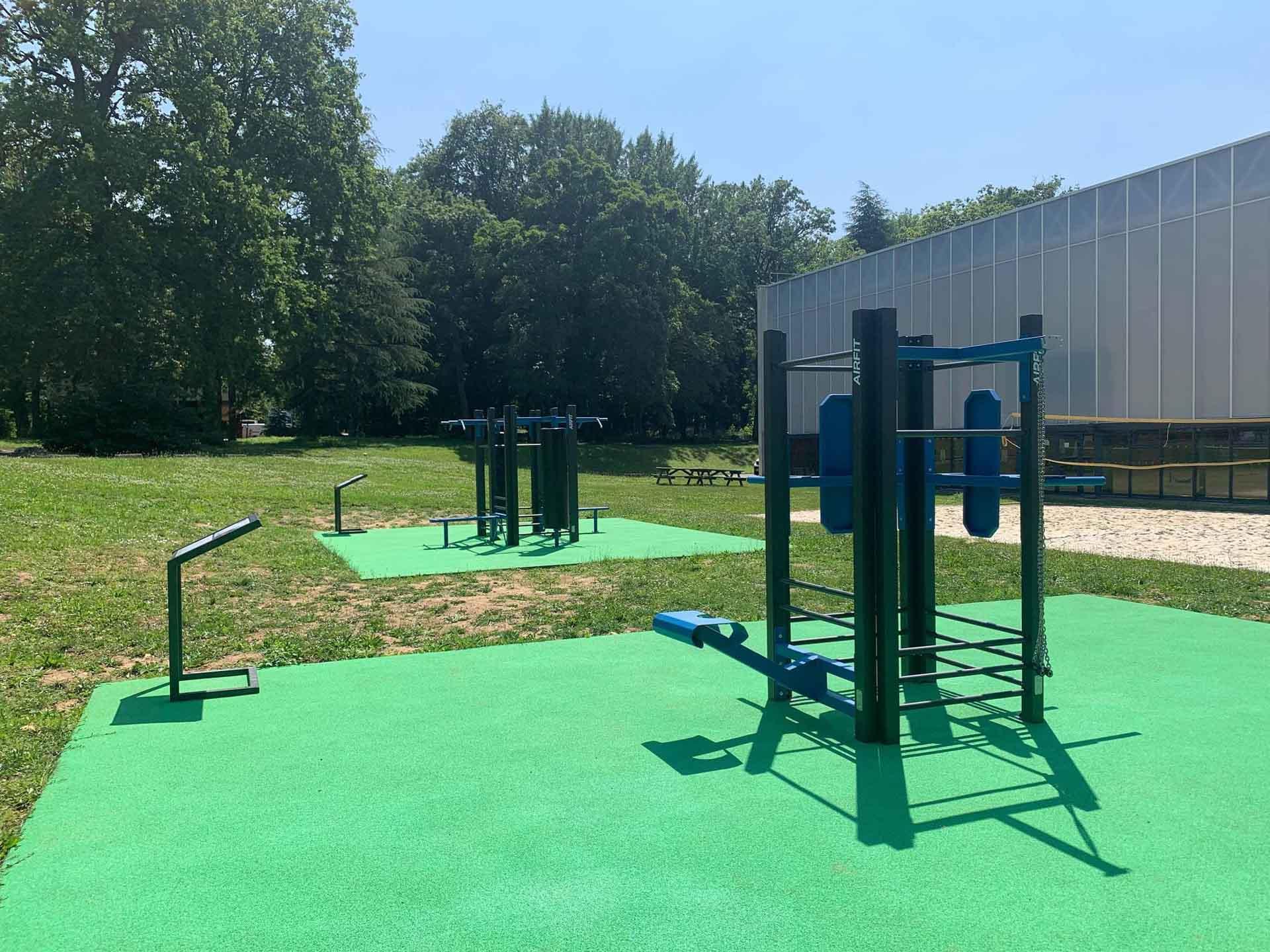Photo des aires de fitness en extérieur AirFIt du campus HEC Paris