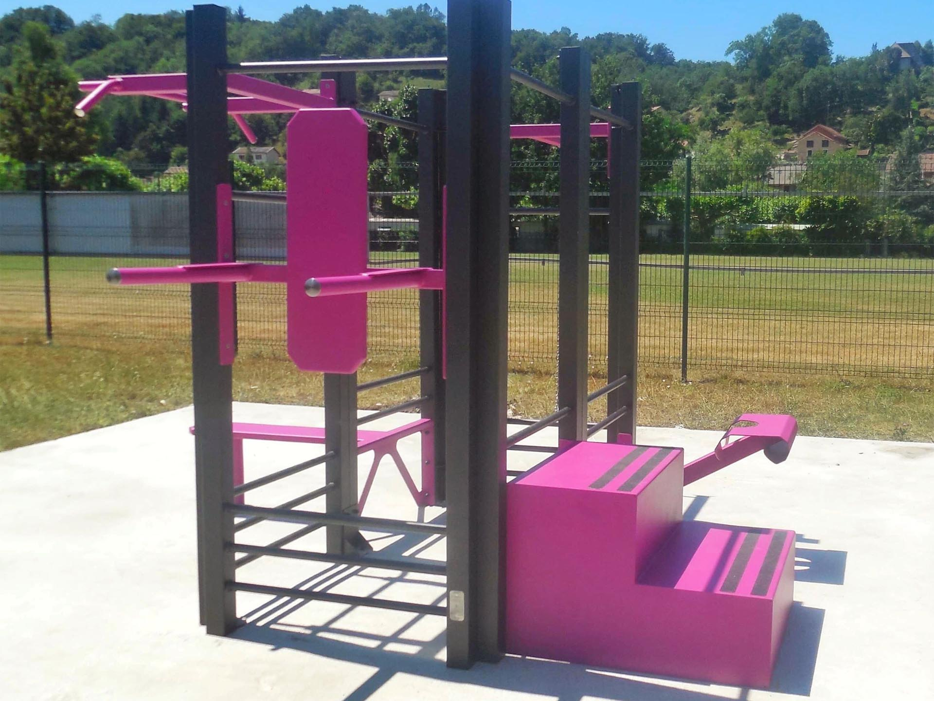 Photo de l'aire de fitness connectée en extérieur AirFit à Charavines