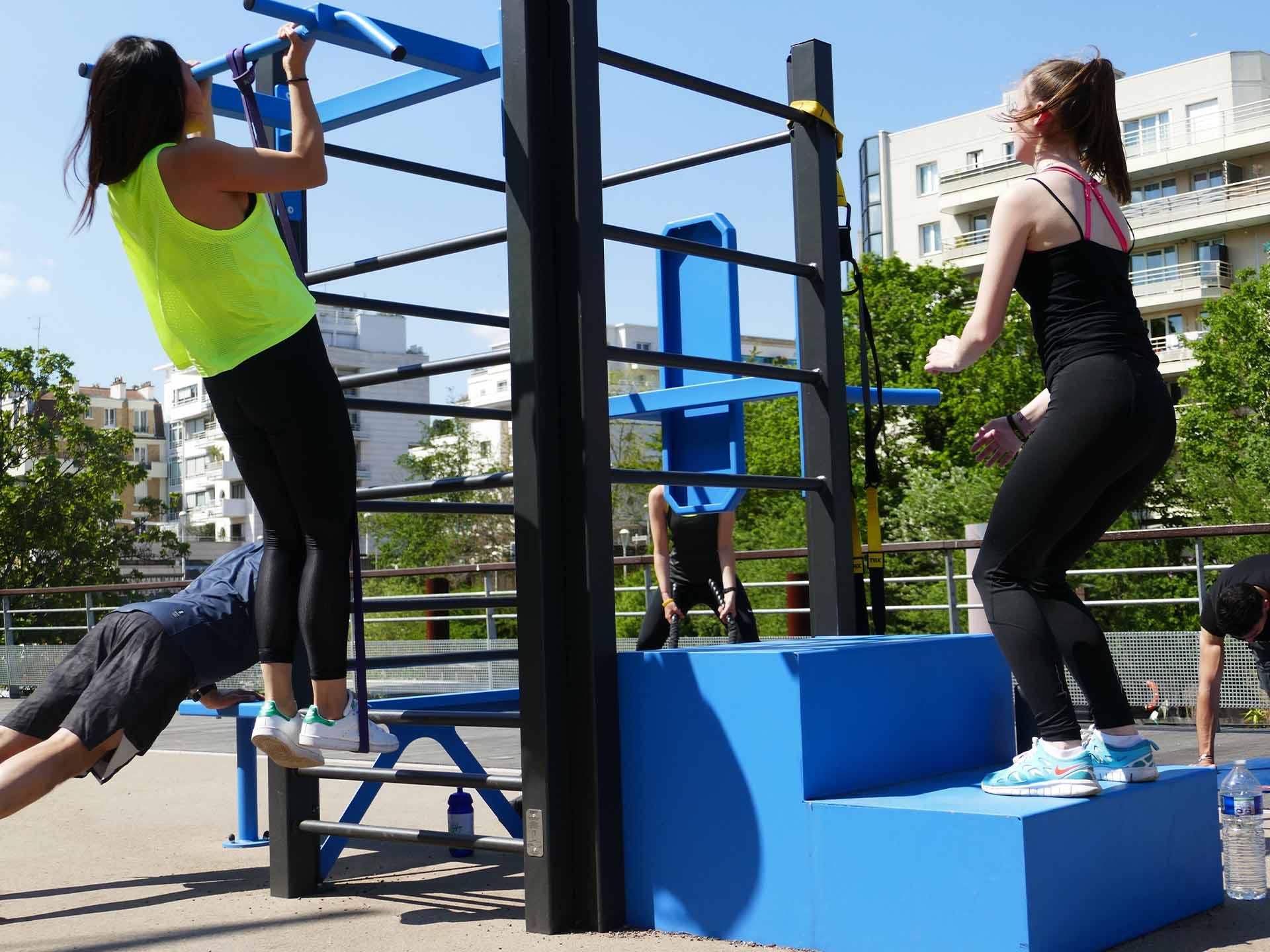 Photo de l'aire de Fitness en extérieur Place de l'Arsenal à Issy les Moulineaux