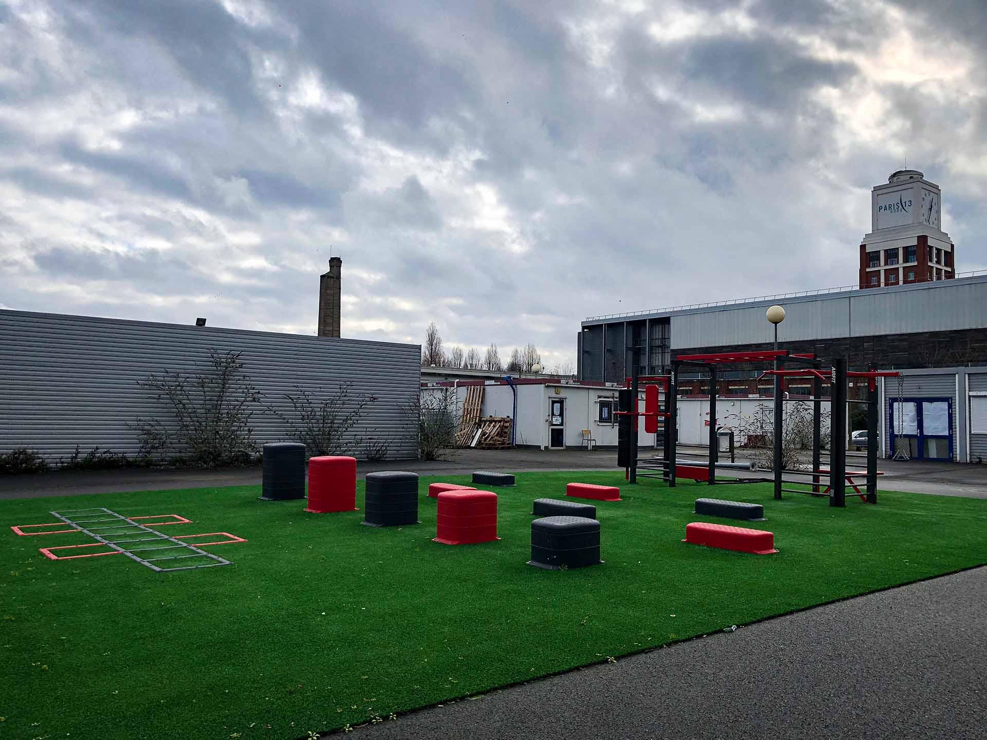 Photo de l'aire de fitness en extérieur AirFIt du Campus de Bobigny