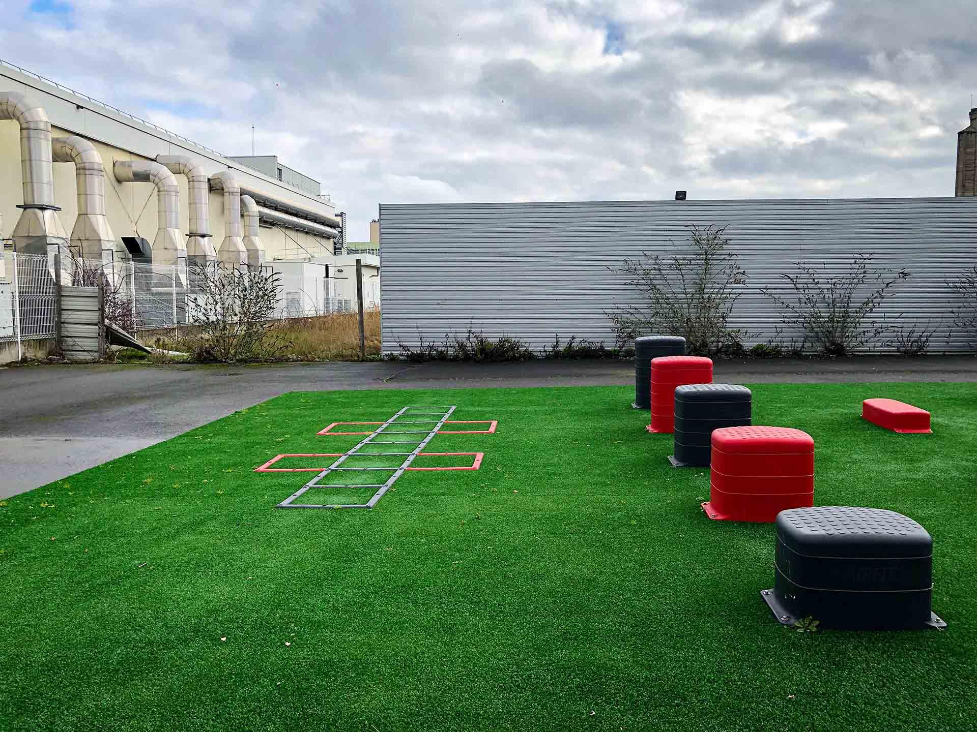 Photo de l'échelle de rythme de l'aire sportive du Campus Universitaire de Bobigny