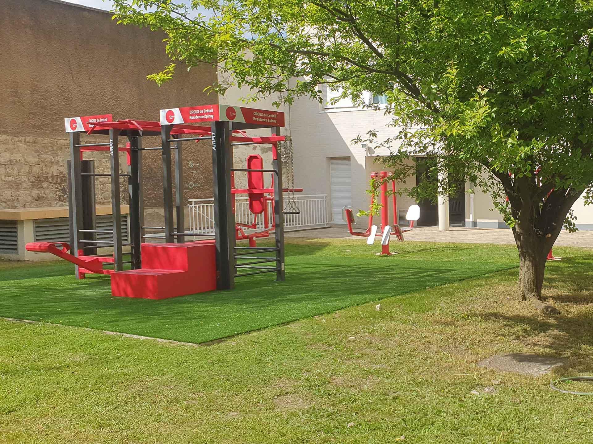 Photo de l'aire de fitness en extérieur de la résidence CROUS d'Epinay sur Seine