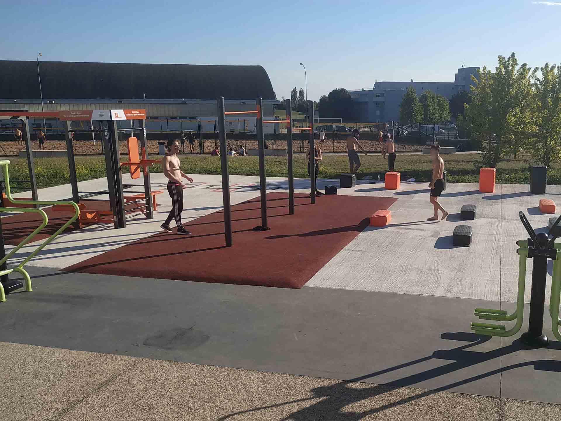 Photo des équipements sportifs en accès libre du campus de Dijon de l'Université de Bourgogne
