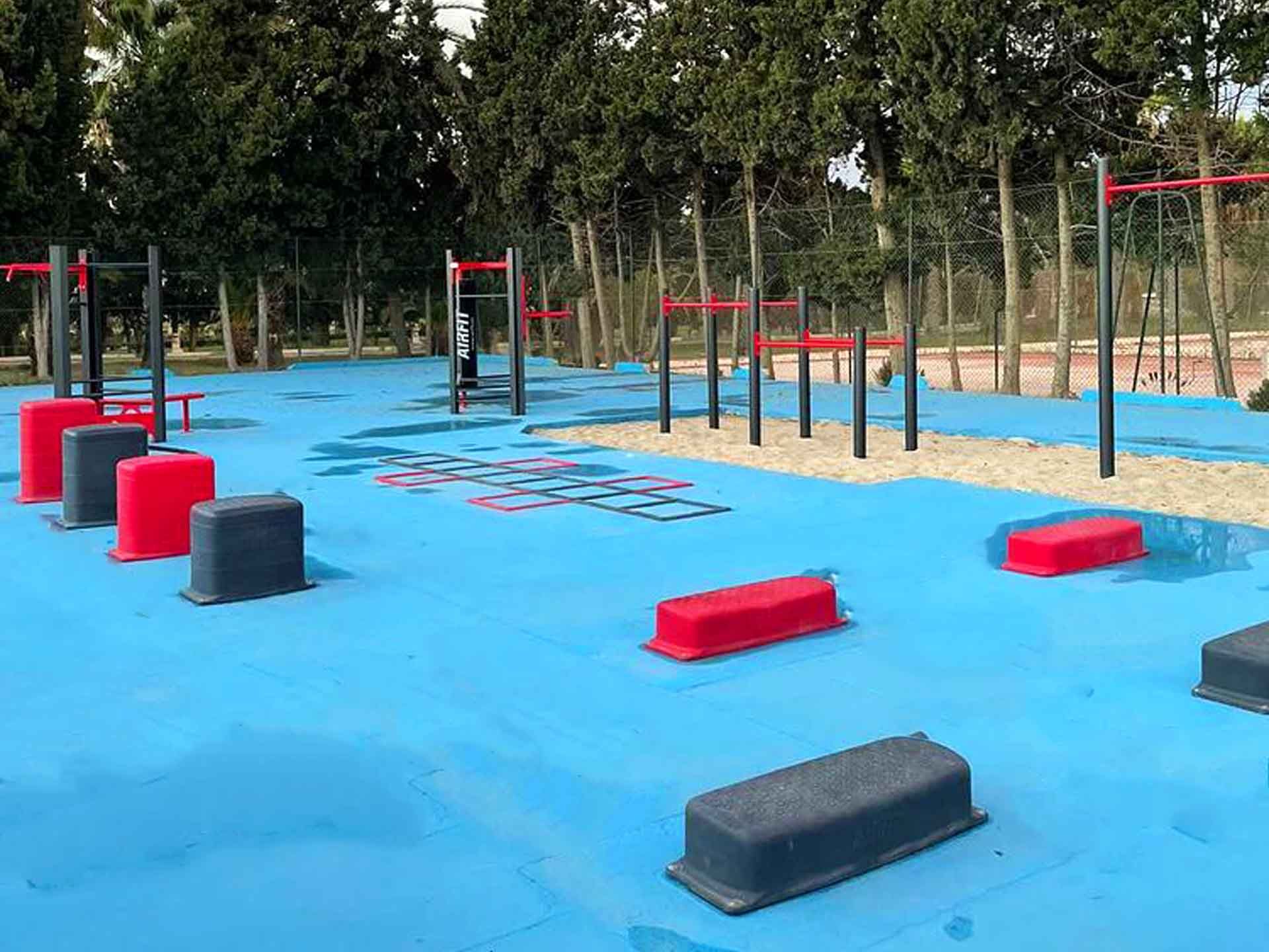 Photo de l'aire de fitness connectée pour les sportifs de l'hôtel Seabel Sousse