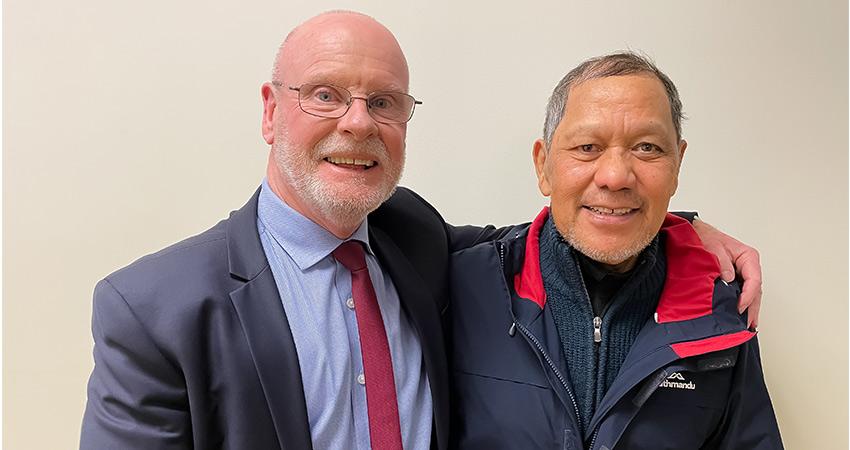 CE Murray Williams and Kaumatua George Konia at blessing of Teacher Development Aotearoa office