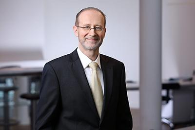 Jos Hehli ist der COO und Co-Founder von Prognosix AG.