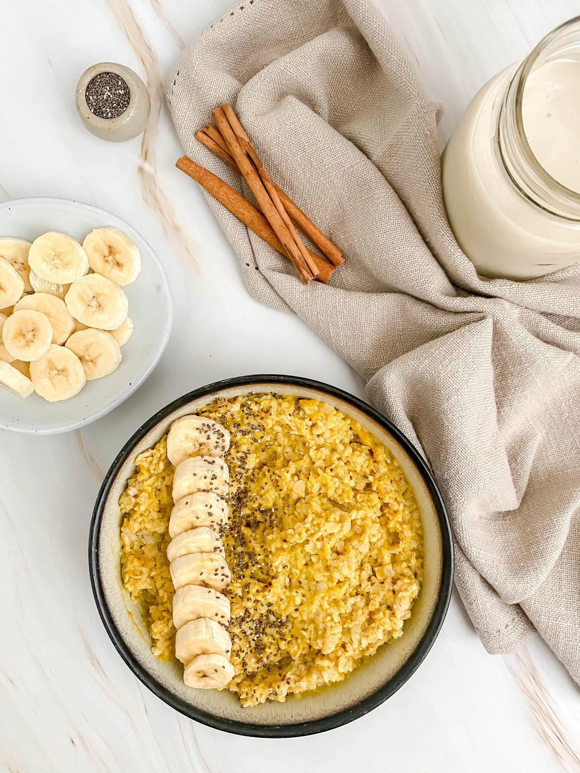 Anti-Inflammatory Banana Turmeric Oats
