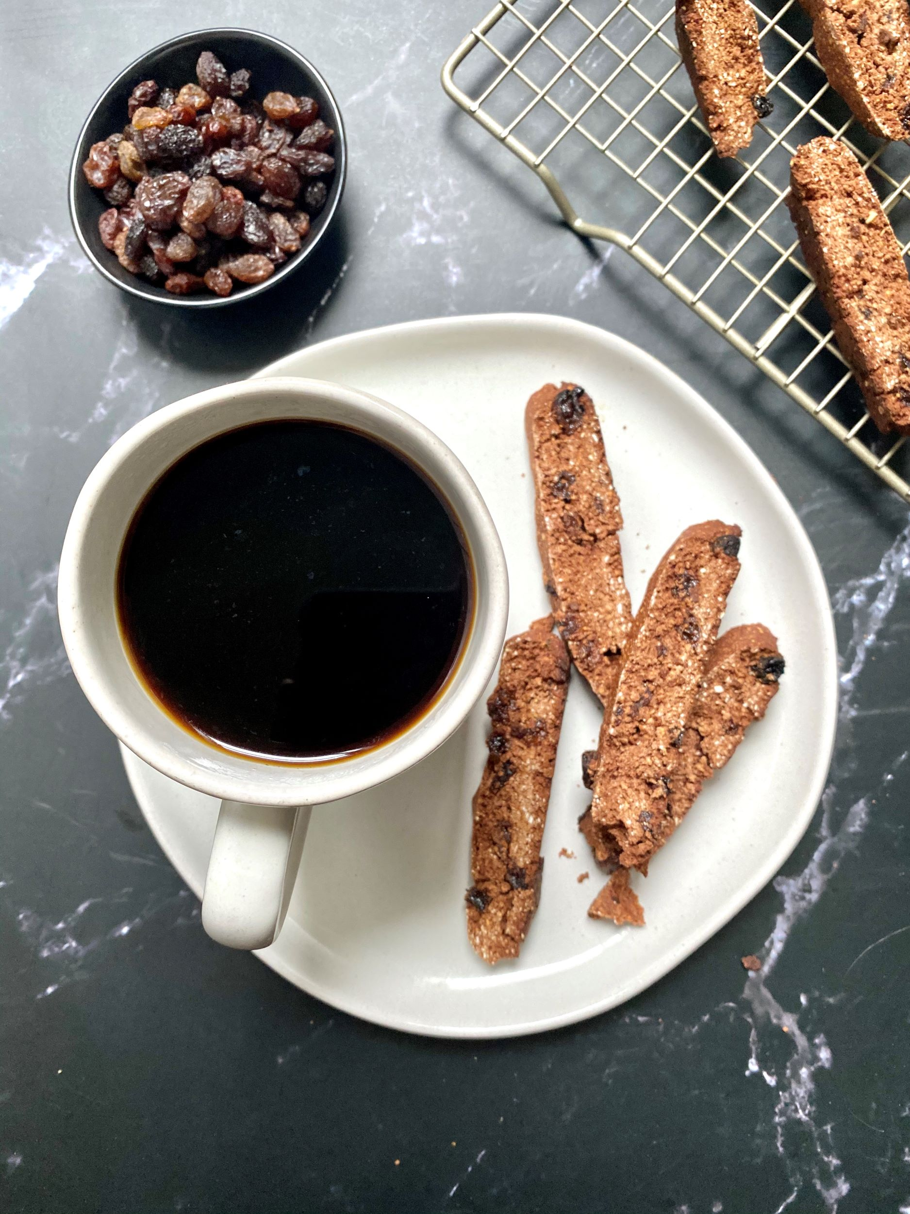 vegan oat flour cinnamon raisin biscotti