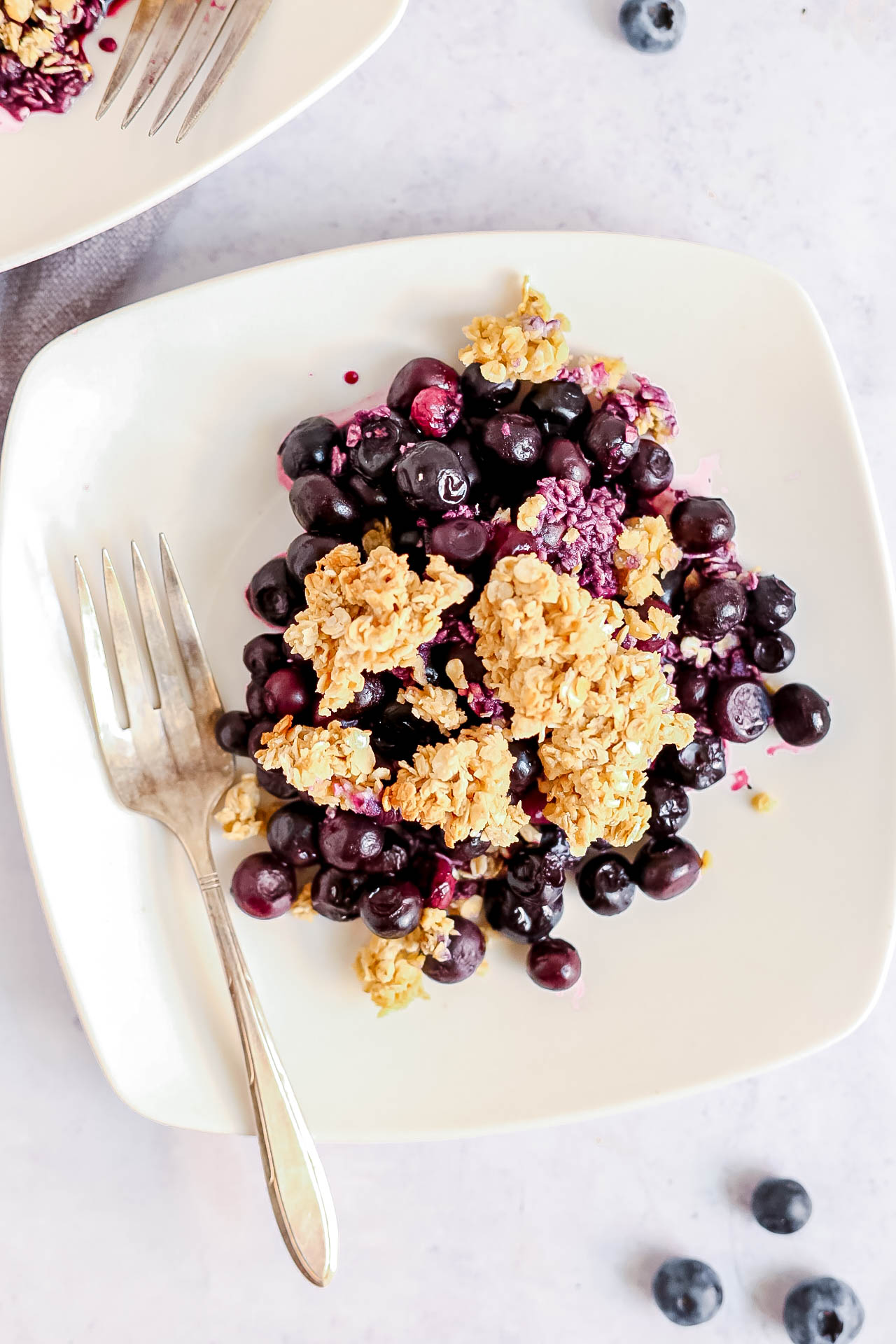Plant-Based Blueberry Crumble