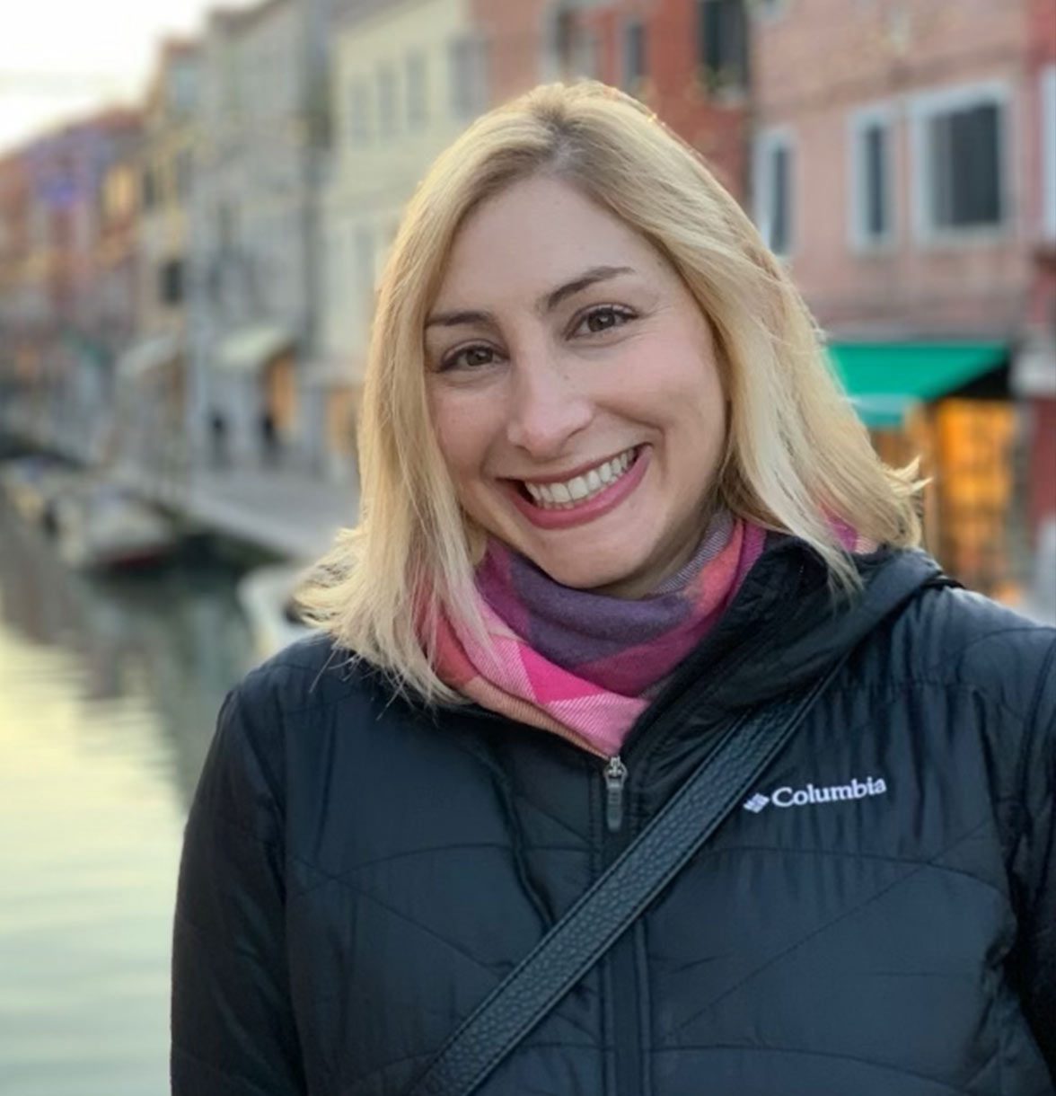 Photo of Hannah Russin, Signos' chief marketing officer