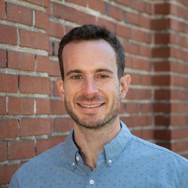 A headshot of Signos Dr. William Dixon.