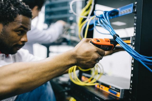 Technicien integration et déploiement infrastructure réseau