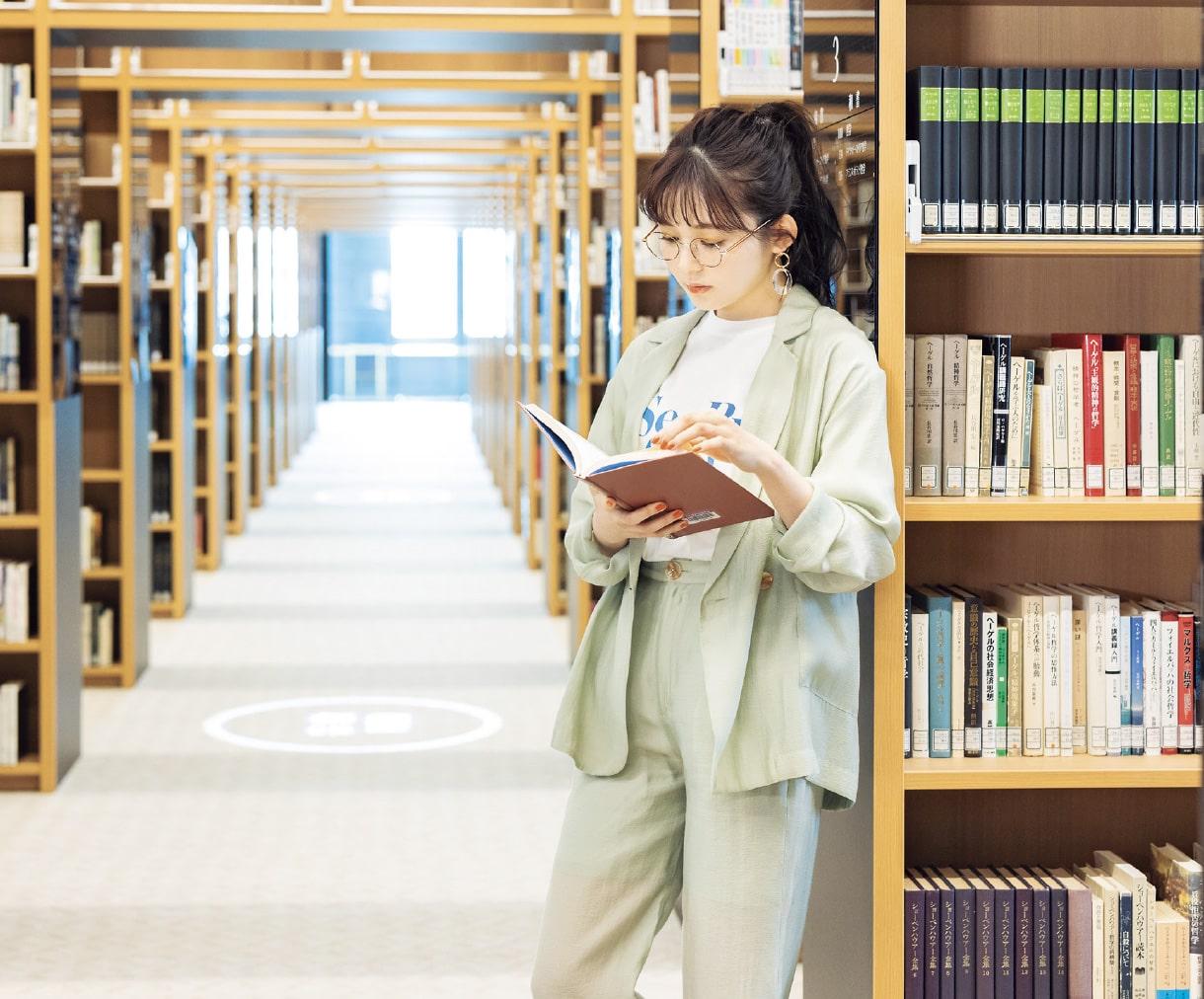 金曜コーデ @大正大学図書館