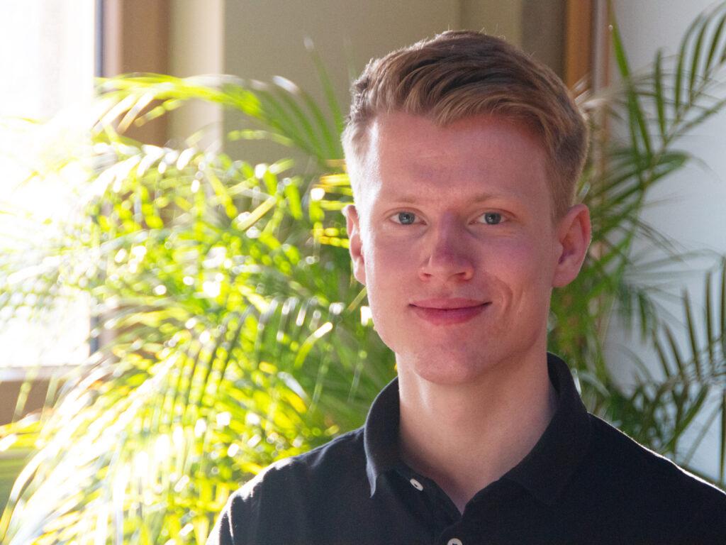 FORUM Family Office gratuliert ihrer Beteiligung GEDAT zur Auszeichnung ihres Auszubildenden Sven Rösser zum landesbesten Azubi.Sven Rösser hatte seine Ausbildung zum Informatikkaufmann nicht nur mit sehr gutem Ergebnis abgeschlossen, die GEDAT wurde auch vom Hessischen Industire-...