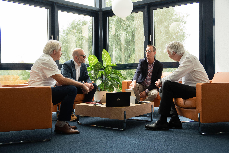 Bild von FORUM, Unternehmern von Beteiligungen und Kunden um Erfolg zu veranschaulichen